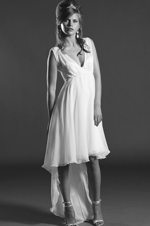 Lizzie is a short 1960s vintage inspired wedding dress